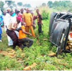Motorcyclist, 4 Brutally Crushed To Death In Horrific Crash On Lagos-Ibadan Expressway